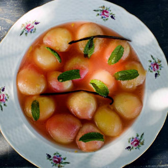 Soupe de Pêches Blanches (white peach 'soup')